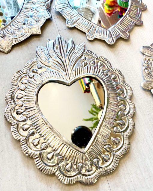 Espejo corazón de hojalata grande